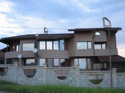 Villa Kera