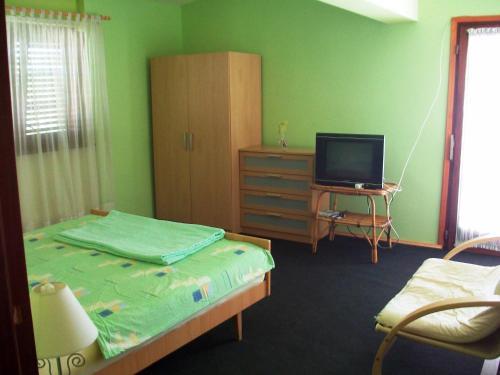Apartment Dijana 2437