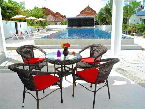 Kamala Paradise 2 bedrooms Town House