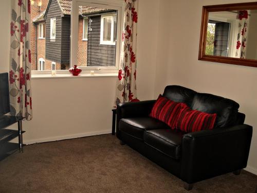 Photo of Eeklo Apartment Self Catering Accommodation in Newbury Berkshire