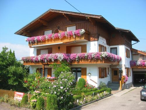 Gästehaus Heidi - Apartment mit 1 Schlafzimmer und Balkon
