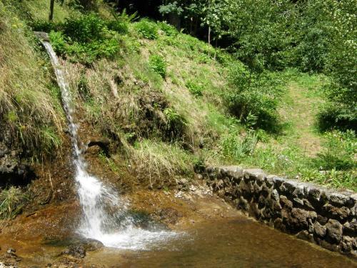 Gite la k bane au fond du jardin saint flour auvergne for Au fond du jardin saint saens