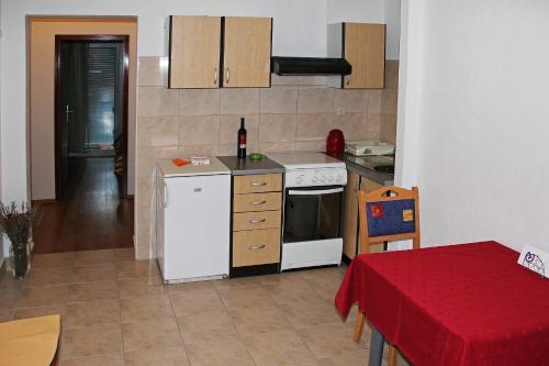 Apartments Mate 1661