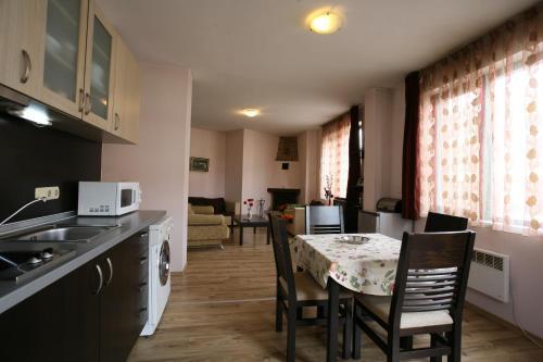Simeon Apartment