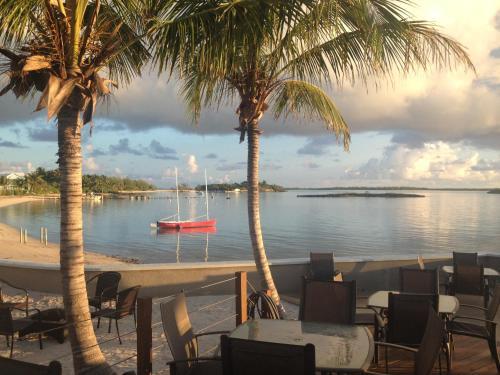 A-HOTEL com - Exuma Beach Resort, Hotel, Georgetown, Bahamas