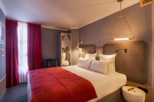 Handsome Hotel By Elegancia