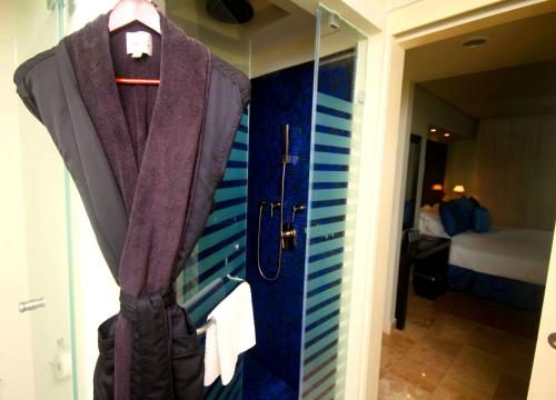 Style Suite with Sunset View - Adults Only