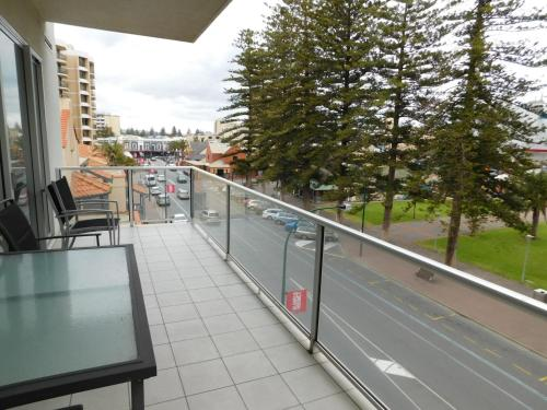 Glenelg Beachside Apartments photo 15