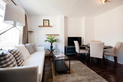 FG Apartment - Kensington Olympia, Fielding Road