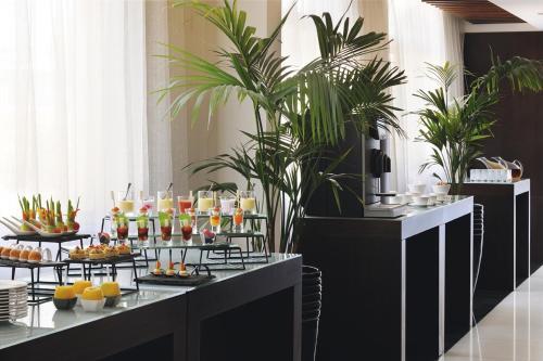 Mövenpick Hotel Apartments Al Mamzar Dubai photo 40