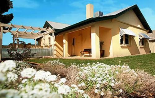 Emaroo Cottages Mildura | Cheap Hotels in Mildura Australia