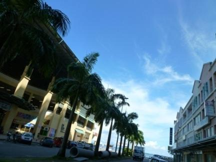 Sea View Sandakan Budget & Backpackers Hotel front view