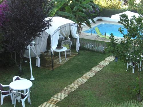 White House Cascais (Bed and Breakfast)