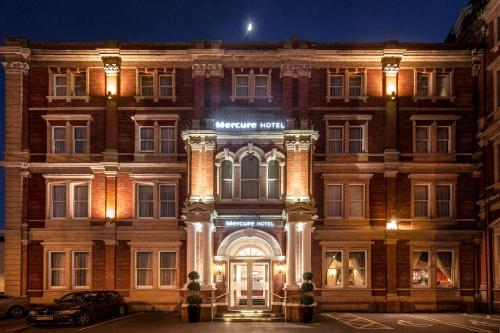 Stay at Mercure Exeter Rougemont Hotel