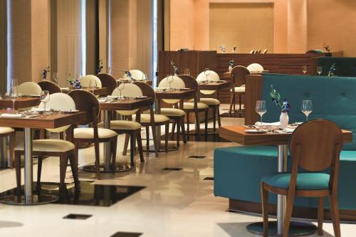 AVANI Deira Dubai Hotel photo 42