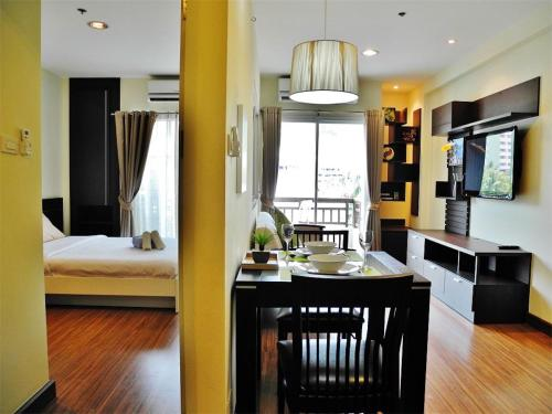 Phuket Villa Patong 1 bedroom Apartment Mountain View