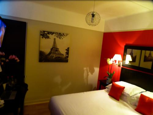 Hotel tamaris h tel 14 rue des mara chers 75020 paris for Hotel des bains paris 14