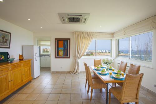 Alia Seafront Suite