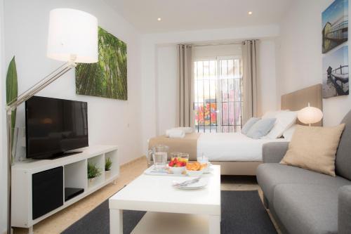 Poeta Llombart Apartments, hotel en Valencia