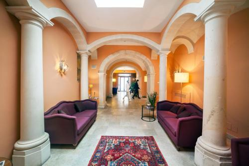 Antico hotel roma 1880 siracusa italy overview for Hotels in ortigia