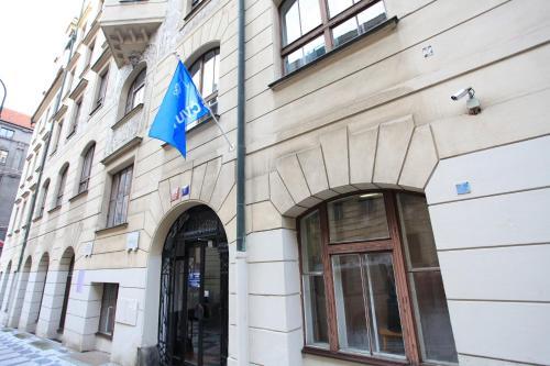 Hostel Hlávkova
