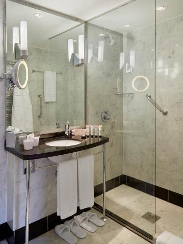 The Mandeville Hotel - image 22