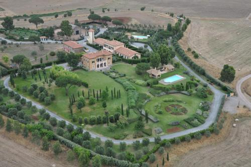 Finca Casale Tormaggiore Villa And Country Suites