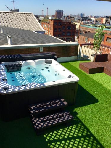 Deansgate Rooftop Hot Tub