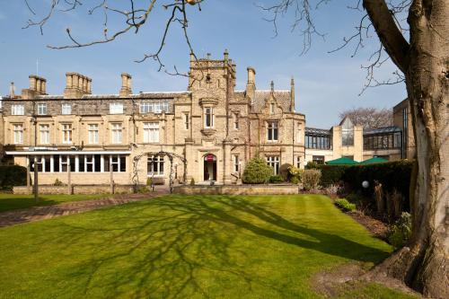 Stay at Mercure Bradford, Bankfield Hotel