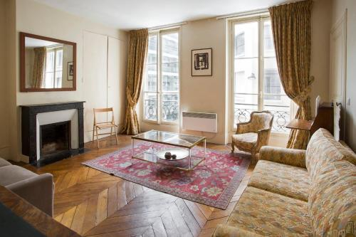 Quai d'Orsay Apartment