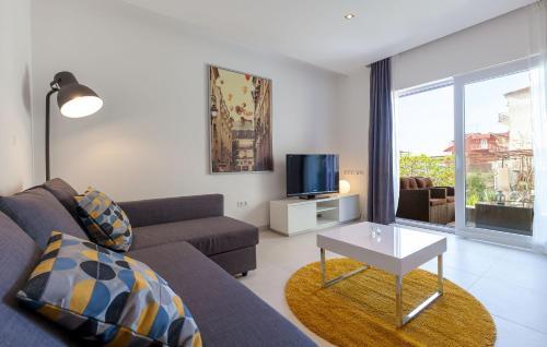 Apartments Azalea