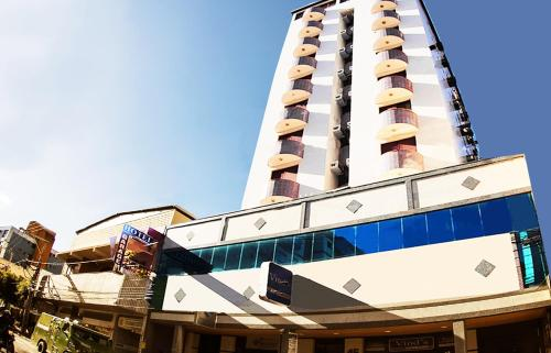 Vind's Plaza Hotel