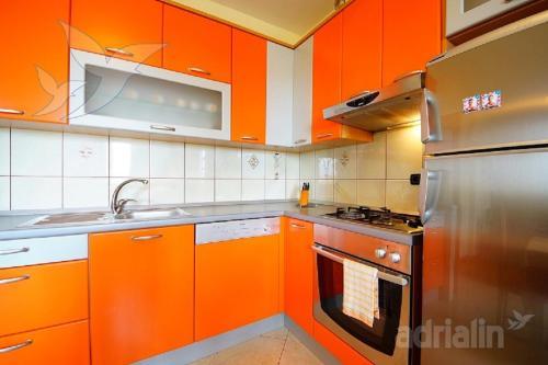 Apartment Ražanac Nikola
