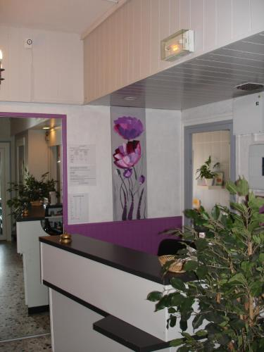 Europa hotel h tel 31 route de valence 38150 roussillon for 38150 roussillon