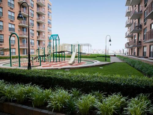 PhotoGlobal Luxury Suites at River  Hoboken  NJ  United States Overview  . Luxury Apartment Buildings Hoboken Nj. Home Design Ideas