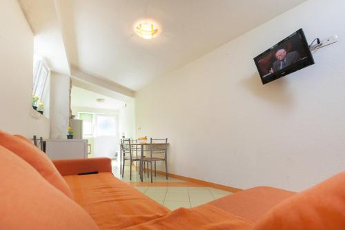 Apartments Tinak