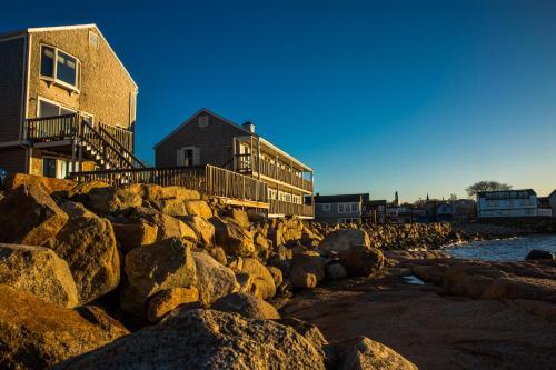 Bearskin neck motor lodge rockport north shore for North shore motor works