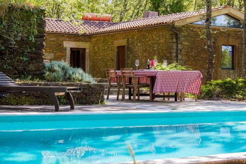 Liiiving in Caminha | Oak Tree Chill House