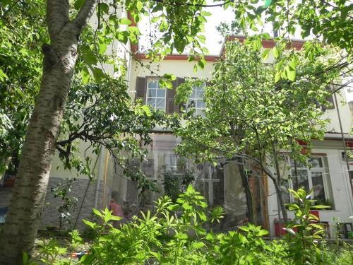 Picture of Lotus Garden Hostel Izmir