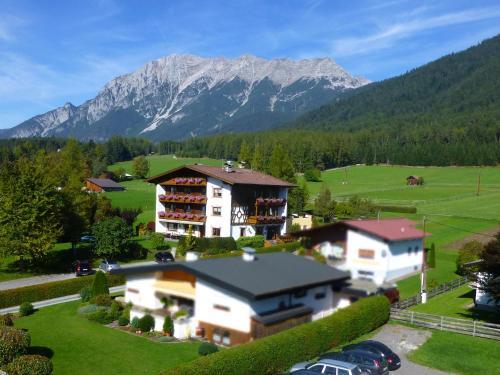 Отель Pension Alpenhof 3 звезды Австрия