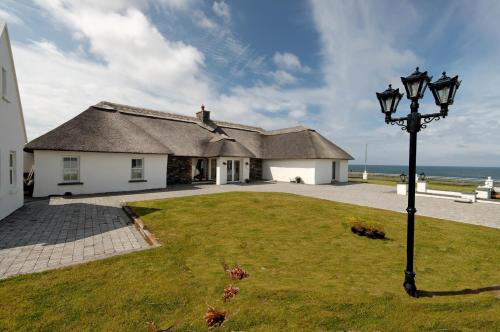 Photo of Red Cliff Lodge Restaurant and Seaview Suites Hotel Bed and Breakfast Accommodation in Spanish Point Clare
