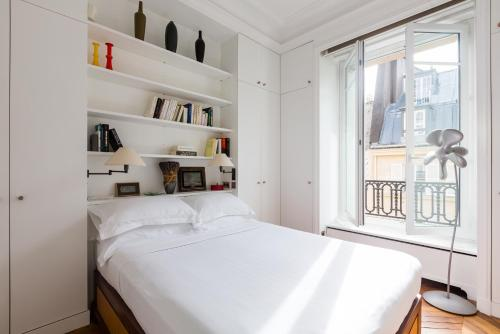 onefinestay - Arc de Triomphe - Champs-Elysees private homes - 0