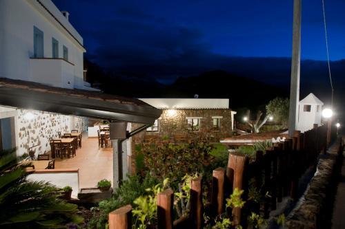 Hotel Di Turismo Rurale Belvedere Pradonos