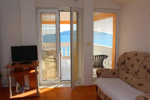 1 Schlafzimmer Apartment mit Terrasse und Meerblick (One-Bedroom Apartment with Terrace and Sea View)