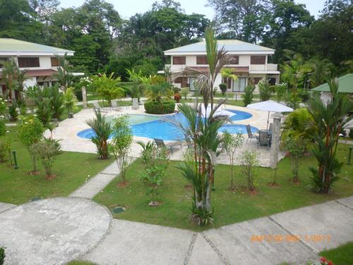 HotelQuepos Tropical Villa #4