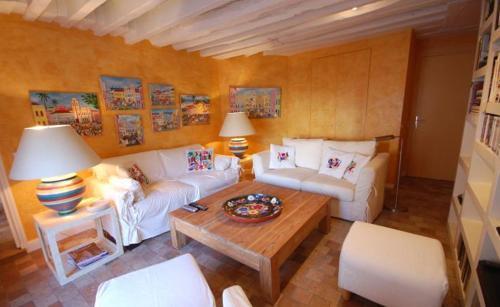 2 Bedroom Apartment-Luxembourg Garden
