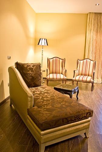 Special Gold Double Room Villa Nazules Hípica Spa 3