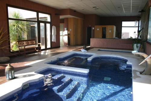 Habitación Doble con acceso al spa - 1 o 2 camas Villa Nazules Hípica Spa 2