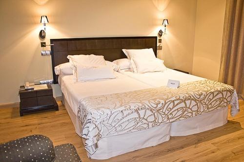 Superior Double Room Villa Nazules Hípica Spa 3