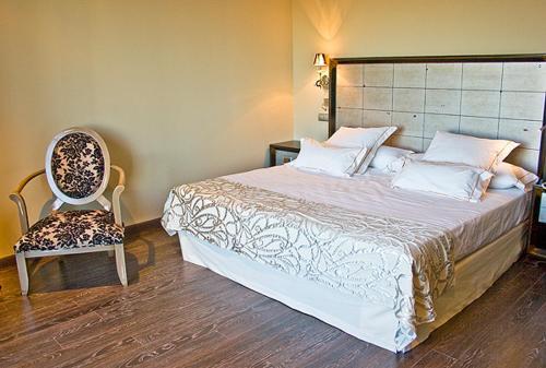 Superior Double Room Villa Nazules Hípica Spa 4
